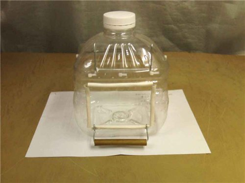 Купалка из бутылки для птиц